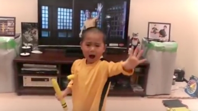 Little Boy Pays Tribute to Bruce Lee