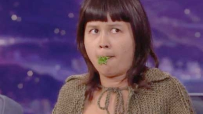 Charlyne Yi Doing A Turtle Impersonation on Conan